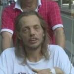 هولندي ينقل إلى المستشفى بعدما انتظر امرأة 10 أيام في مطار بالصين