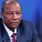 قادة الانقلاب في غينيا يعتقلون كوندي ويعطلون الدستور