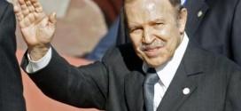 الموت يغيب الرئيس الجزائري السابق (صورة)